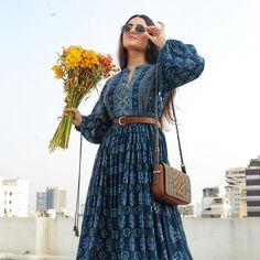 Beautiful Dress Designs, Stylish Dress Designs, Beautiful Outfits, Indian Gowns Dresses, Indian Outfits, Indian Attire, Simple Lehenga, Chic Outfits, Fashion Outfits