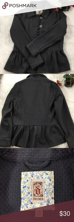 Woven Style Jacket Beautiful woven style jacket! Gently worn and in great condition. Decree Jackets & Coats