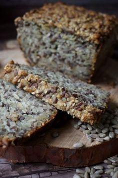 Chleb samo ziarno (bez mąki) Raw Food Recipes, Bread Recipes, Cooking Recipes, Healthy Recipes, Eat Happy, Good Food, Yummy Food, Sweets Cake, Polish Recipes