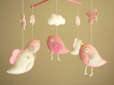 """Bambino presepe mobile uccello mobile, mobile di feltro, vivaio mobile, mobile bambino, """"Bird - rosa baby"""" di Feltnjoy su Etsy https://www.etsy.com/it/listing/129727440/bambino-presepe-mobile-uccello-mobile"""