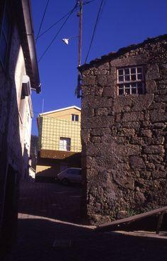 contrast - sabugueiro, serra da estrela, portugal    © @gostinho
