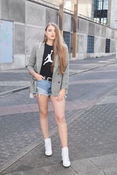 02ef2a831be08 Marynarka w kratę. Codzienna stylizacja. jeansowe szorty by Polinworld # casual #blazer #