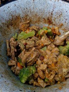 Sárgarépás-brokkolis nyúlragu bográcsban álákriszta Grains, Rice, Beef, Chicken, Food, Meat, Essen, Meals, Seeds
