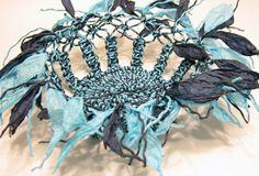 Canasta en macramé Compre en www.regaloscolombianos.com o solicite información a ventas@regaloscolombianos.com