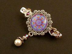 Kleine Haarspange mit Mandala Motiv in lila silber von Schmucktruhe