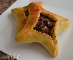 Middle-eastern Meat pies:Today's recipe is a family favorite. It can be a main meal, a snack or a party appetizer depending on your preference and the size you make them. Armenian Recipes, Lebanese Recipes, Turkish Recipes, Arabic Recipes, Russian Recipes, Sfeeha Recipe, Fatayer Recipe, Middle Eastern Dishes, Middle Eastern Recipes