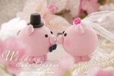 Must have!  Pig and piggy Wedding Cake Topper -- via Etsy.                                                                                                                                                                                 Más