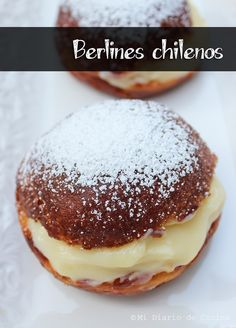 Berlines chilenos – Mi Diario de Cocina Chilean Desserts, Chilean Recipes, Chilean Food, Donuts, No Bake Desserts, Dessert Recipes, British Baking, Pan Dulce, Chili