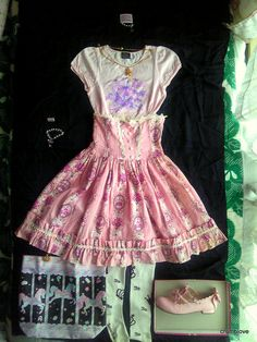 Alice and the Pirates AatP AnP Queen's Coach Highwaist Skirt in pink coord includes pieces from Angelic Pretty AP, Baby the Stars Shine Bright BtssB, and Innocent World IW
