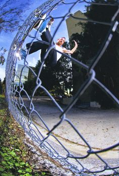 Dill : Frontside fence ride / The Skateboard Mag November 2013 Issue Jason Dill, Skateboard Mag, Skate And Destroy, Style Matters, Skating Rink, Skate Surf, Skateboards, Stunts, Bmx