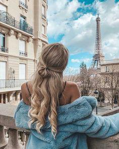 Hair goals blonde corkscrew curls in paris Pretty Hairstyles, Easy Hairstyles, 7th Grade Hairstyles, Teen Girl Hairstyles, Sporty Hairstyles, School Hairstyles, Everyday Hairstyles, Formal Hairstyles, Wedding Hairstyles