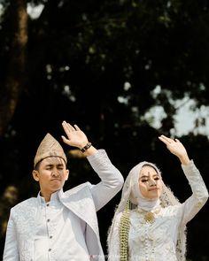 Wedding Photoshoot, Wedding Shoot, Dream Wedding, Wedding Hijab, Wedding Gowns, Wedding Trends, Wedding Designs, Wedding Ideas, Malay Wedding Dress