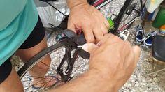 Πώς να ισιώσεις μανέτα ποδηλάτου δρόμου, φθηνά, γρήγορα και μόνος σου.Sh...