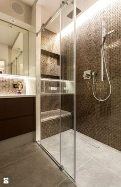 If you have a small bathroom in your home, don't be confuse to change to make it look larger. Not only small bathroom, but also the largest bathrooms have their problems and design flaws. Spa Design, House Design, Design Ideas, Home Spa Room, Spa Rooms, Large Bathrooms, Small Bathroom, Dining Room Ceiling Lights, Spa Treatment Room