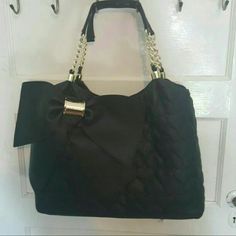 Large Betsy johnson bag Nwot  Will sell on merc@ri for  $80 (app, replace the @ with a) Betsey Johnson Bags Shoulder Bags