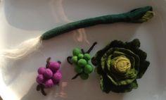 Urselifelts — Felted grapes, lettuce and leek