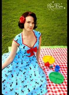 Retro, pin-up style clothing for ladies with curves. These are awesome!
