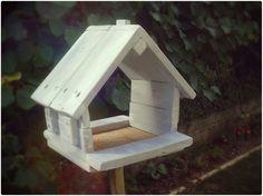 Cabane à oiseaux, en palettes.