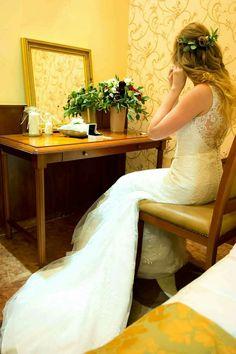 Esküvői készülődés 😃  www.magdiszepsegszalon.hu/blog/hirek/eskuvoi-frizura-hogy-a-nagy-nap-emlekezetes-legyen