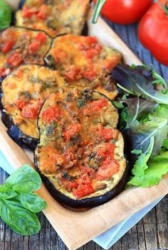 Eggplant Pizzette recipe with mushroom mushroom, mozzarella Fast food recipe Vegetable recipe with e Raw Vegan Recipes, Mushroom Recipes, Vegan Foods, Light Recipes, Vegetable Recipes, Vegetarian Recipes, Healthy Recipes, Healthy Cooking, Healthy Eating