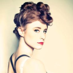 "HELLLLLO, AMERICA. Introducing Kiesza. | This Cover Of Haddaway's ""What Is Love"" Is Haunting & Flaw-Free"