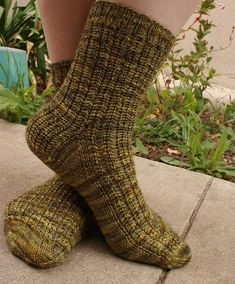 Knit a comfy cozy pair of slippers with these free slipper knitting patterns. Crochet Socks, Knitting Socks, Free Crochet, Knit Crochet, Knit Socks, Knitting Patterns Free, Free Knitting, Stitch Patterns, Free Pattern