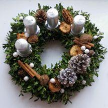 Adventní věnec Christmas Wreaths, Holiday Decor, Home Decor, Decoration Home, Room Decor, Home Interior Design, Home Decoration, Interior Design