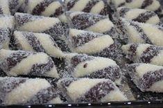 Kokosový kmeň Christmas Cookies, Recipes, Food, Cakes, Xmas Cookies, Christmas Crack, Cake Makers, Christmas Biscuits, Essen