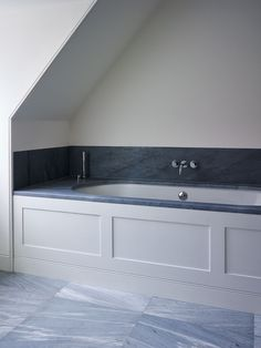 A Classical bathroom by Ben Pentreath #hellopeagreenspots #bathroom #interiors