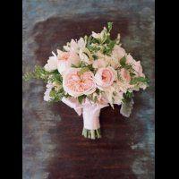 Serenity & Rose Quartz: 45 свадебных букетов трендовых оттенков