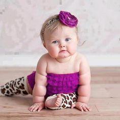 61 New Ideas Baby Wallpaper Iphone Newborn So Cute Baby, Cute Baby Videos, Cute Baby Pictures, Baby Love, Cute Kids, Cute Babies, Chubby Babies, Little Babies, Beautiful Children