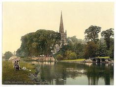 [Trinity Church from the river, Stratford-on-Avon, England] (LOC)