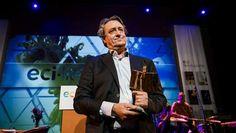 De ECI Literatuurprijs valt dit jaar te beurt aan de Nederlandse auteur Martin Michael Driessen voor de drie novellen uit zijn beklemmende boek 'Rivieren'.