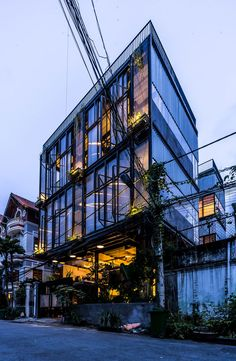 the prefabricated steel structure integrates sustainable materials to create a high-end villa.