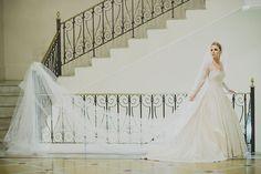 Vestido do Atelier Marie Lafayette escolhido por Fernanda. O casamento de Fernanda e Felipe, publicado no Euamocasamento.com. As fotos são de Renata Xavier. #euamocasamento #NoivasRio #Casabemcomvocê