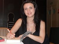 Las hijas del frío - Camilla Lackberg, ver y leer en anibalfuente.blogspot.com.ar