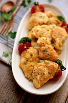 Chicken meat covered in a mix of egg, salt, pepper, parmesan, potato starch and breadcrumbs. Pan fried.