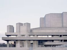 The Royal National Theatre · London, UK - IGNANT Theatre Architecture, London Architecture, Futuristic Architecture, Architecture Photo, Contemporary Architecture, Contemporary Museum, Brutalist Buildings, Modern Buildings, Abandoned Buildings