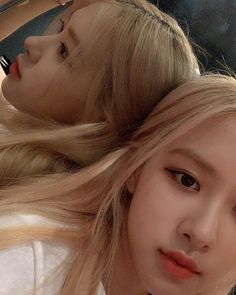 Image may contain: one or more people, selfie and closeup K Pop, South Korean Girls, Korean Girl Groups, Close Up, Selfies, Square Two, Instagram Roses, Rose Park, Jennie Lisa