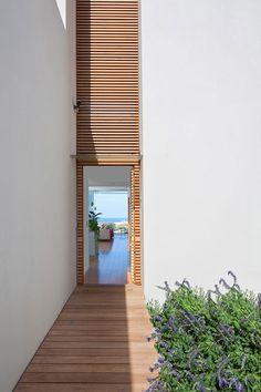 40 Modern Entrances Designed To Impress! - Architecture Beast