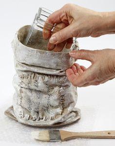 paverpol technique - Recherche Google Cement Art, Concrete Art, Textile Sculpture, Textile Art, Crafts To Do, Arts And Crafts, African Pottery, Papercrete, E Craft