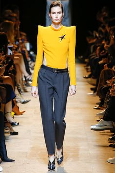 http://www.vogue.com/fashion-shows/fall-2017-ready-to-wear/mugler/slideshow/collection
