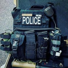 Bleeder Blowout, TACO, and Double Decker TACO on this officers carrier! @harlancowboy ・・・ There are wolves, and there are sheep. Then, there are the sheepdogs. #cryeordie #cryeprecision #crye #highspeedgear #tacos #blueforcegear #violentlittlemachineshop #2a #pewpew @northamericanrescue