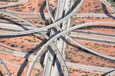 高速インターチェンジを空撮した、幾何学的アート:ギャラリー