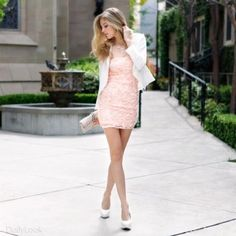Pink lace + white blazer = tres chic!