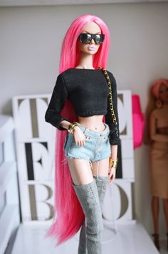 https://flic.kr/p/Lr6UXy | Becky with the Good Hair | Re-root n. 247 Boots and crop top by me.
