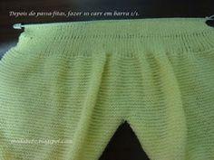 Fiz em cordões de tricô, mas pode facilmente ser em ponto fantasia; a parte do peito do pé em meia (como a primeira calça postada);...