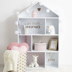 Házikó alakú könyvespolc, fehér-rózsaszín - MABIBLI - ❤️ Időtálló design, kedvező áron ❤️ Butopêa Pink Grey, Grey And White, Decoration, Toddler Bed, Kids Room, Storage, Studio, Simple, Table
