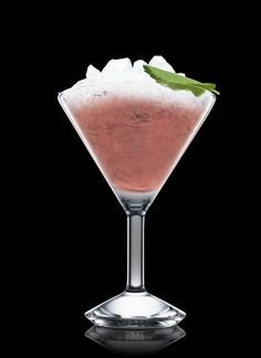 ABSOLUT Basil - Muddle all ingredients in a shaker. Fill with ice cubes. Shake and strain into a chilled cocktail glass filled with crushed ice. Garnish with mint leaf. 1 Part ABSOLUT PEPPAR, 5 Leaves Basil, 1 Whole Strawberry, 1 Leaf Mint Leaf