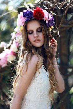 Couronne de fleurs cheveux Couronne de fleur bandeau par rougepony, £35.00